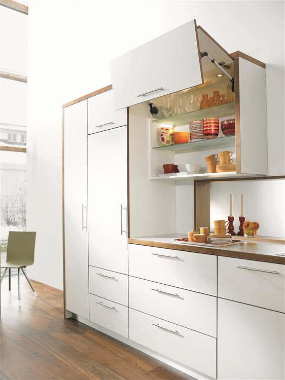 Aventos hf comp s abatible plegable l nea blum - Puerta abatible cocina ...